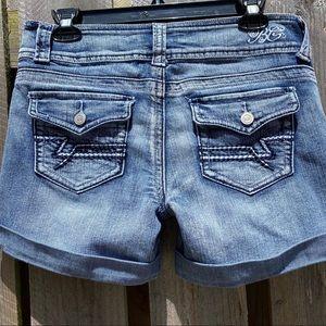 Bubblegum cuffed stretch jean shorts Low Rise